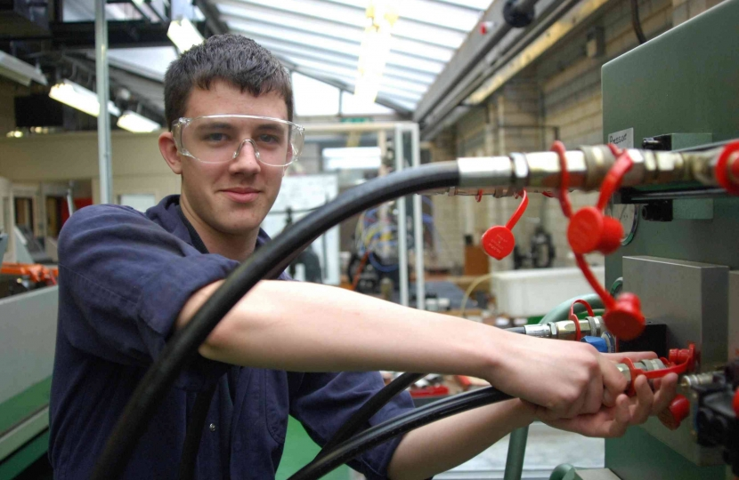 Greg Hands welcomes National Apprenticeship Week in Chelsea and Fulham